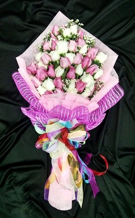 White And Pink Roses Hand Bouquet